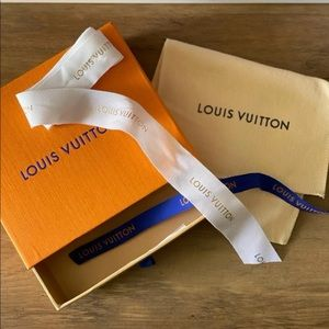 Louis Vuitton box/bag/ribbon